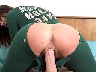 Kaci Castle enjoys amateur anal sex on live cam