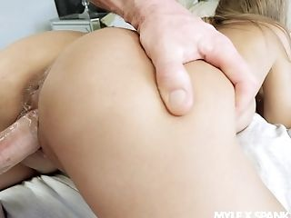 Nude blonde rides cock in reverse for a complete cam POV
