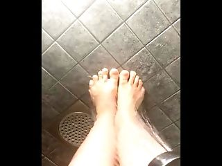 foot fetish (feet in oil in the shower)