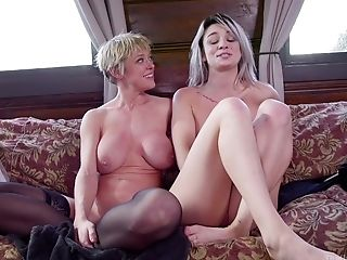 Old and young Dee Williams and Aspen Ora have threesome sex