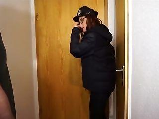 Passi0nista - Polizistin fickt Verdachtigen