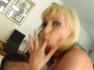 Milf Thing 30 year old isn't too old to get that cock