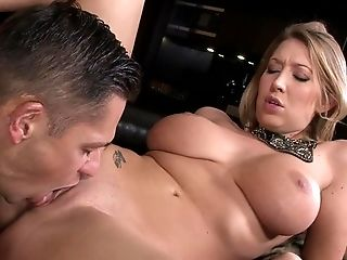 Blonde Lexi Lowe just loves to blow and can't say No to hot dude