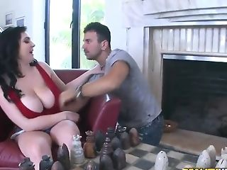 Beverly Paige's Huge Tits Would Seduce Anyone To Fuck Her