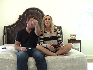Blonde pornstar Manuel Ferrera needs nothing but a hard man meat in her muff to be happy