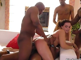 Smoking hot Natasha Nice finally agrees for a nice gang bang
