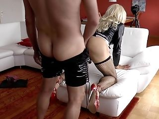 Blonde CD pleases a guy at home