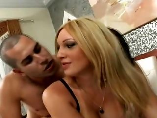 Threesome action That Satisfied Their Selves